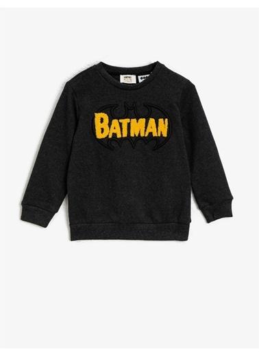Koton Batman Lisansli Islemeli Bisiklet Yaka Sweatshirt Gri